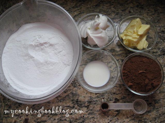 Шоколадово-маслена глазура (Chocolate Buttrrcream Icing)