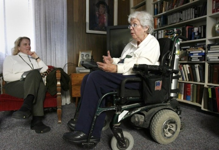 Becky Lloyd, an interviewer for the University of Utah's Oral Histories project, left, interviews Barbara Toomer, a veteran on Feb. 25, 2006