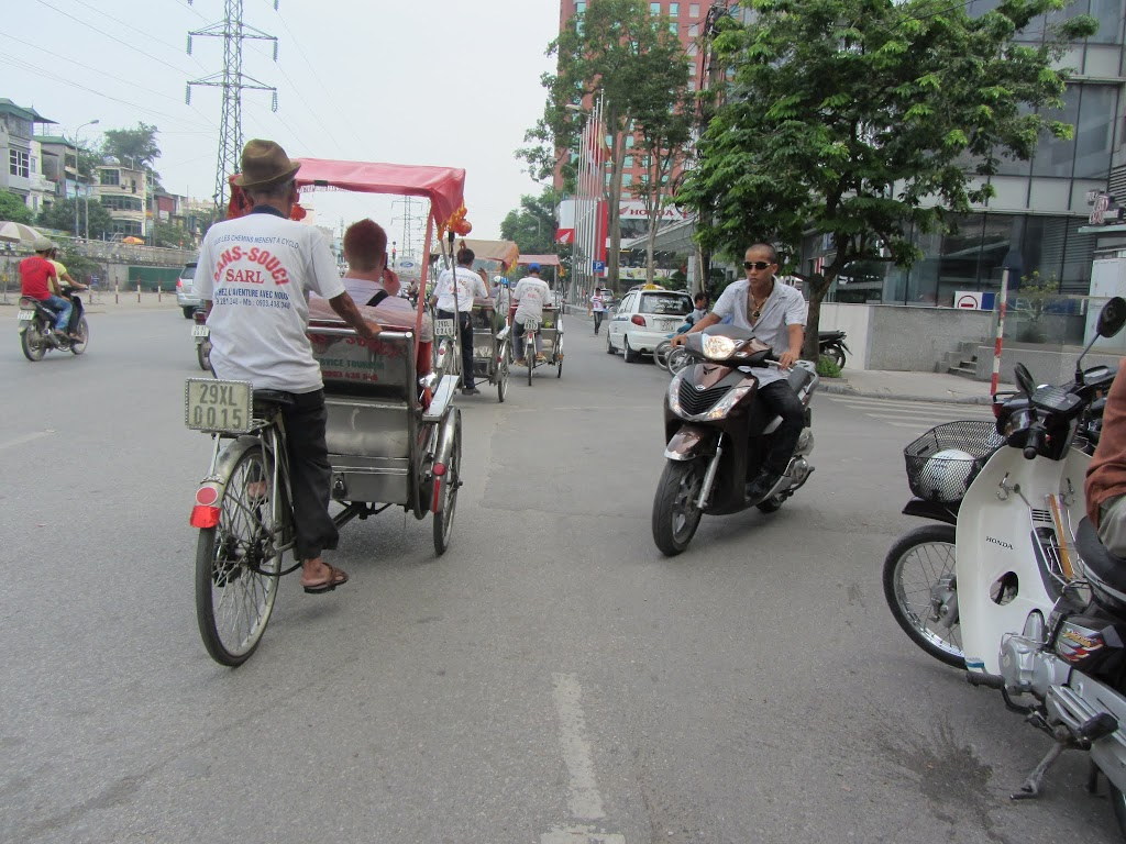 0007Pedicab_Ride_in_Hanoi