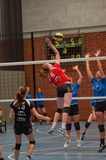 smash Sofie Van Acker