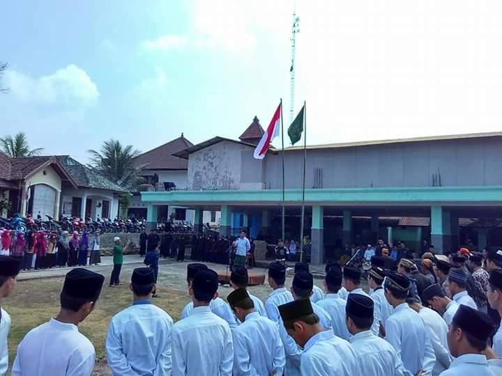 Upacara Bendera Ponpes Indonesia