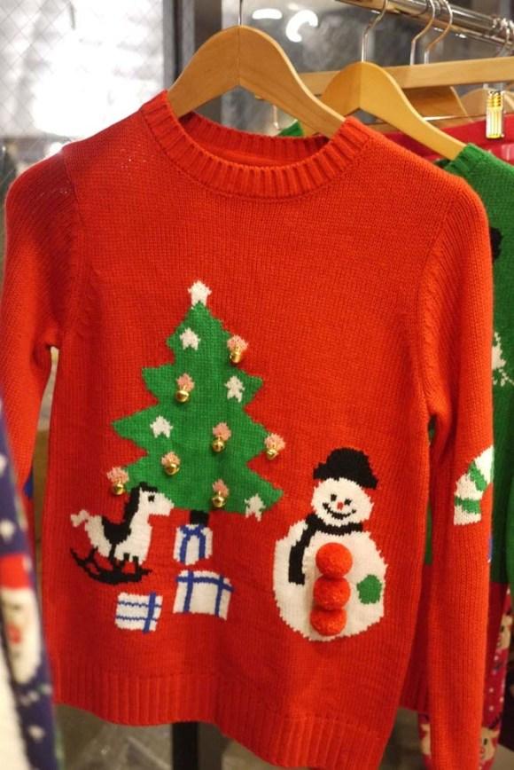 ツリーのセーター