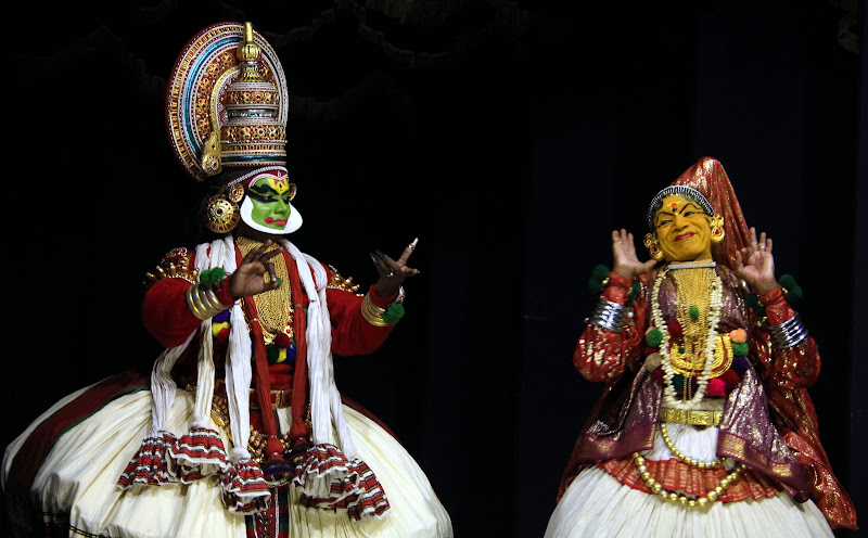 #Travelbloggerindia #Travelblog #keralatravelblog #keralatourism #kathakalidance