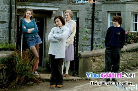 Xem Phim Bà Quản Gia Sát Nhân - Keeping Mum - phimtm.com - Ảnh 3