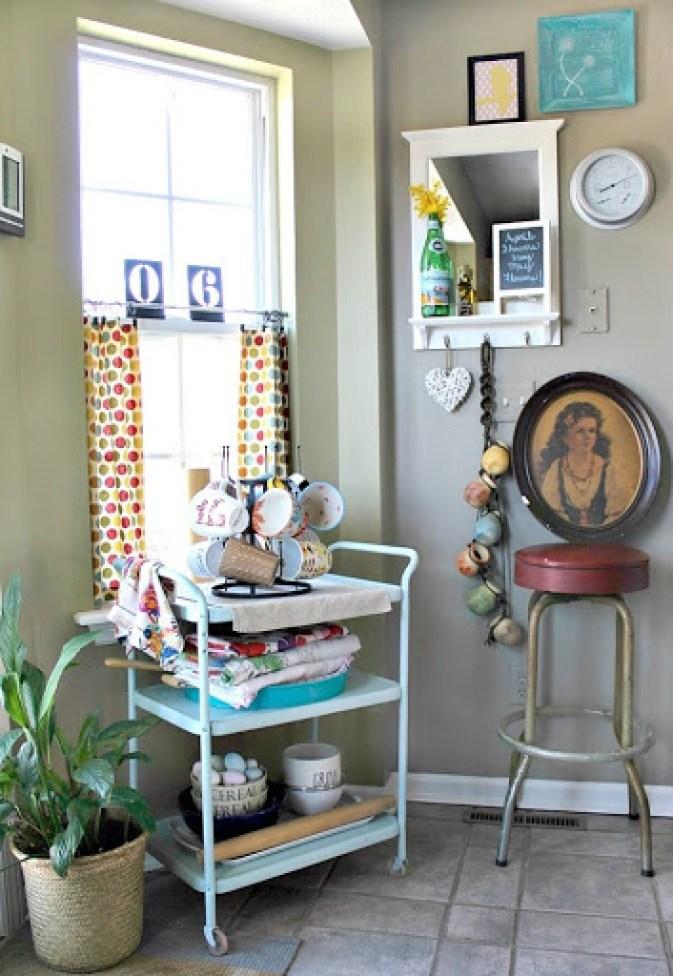 vintage-bar-stool-and-artwork-8