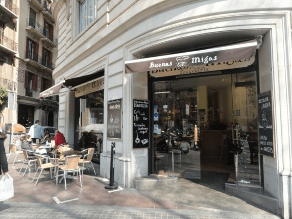 Donde comer barato en barcelona for Locales baratos en barcelona
