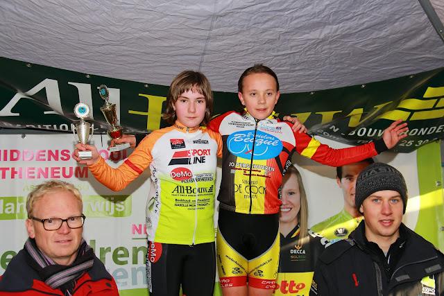 podium meisjes 13 j aspirantencross mska Roeselare