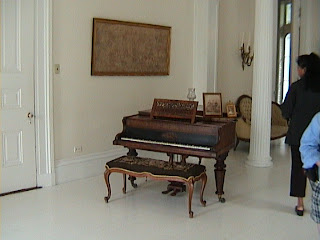 0300Inside_a_Southern_Mansion_-_New_Orleans