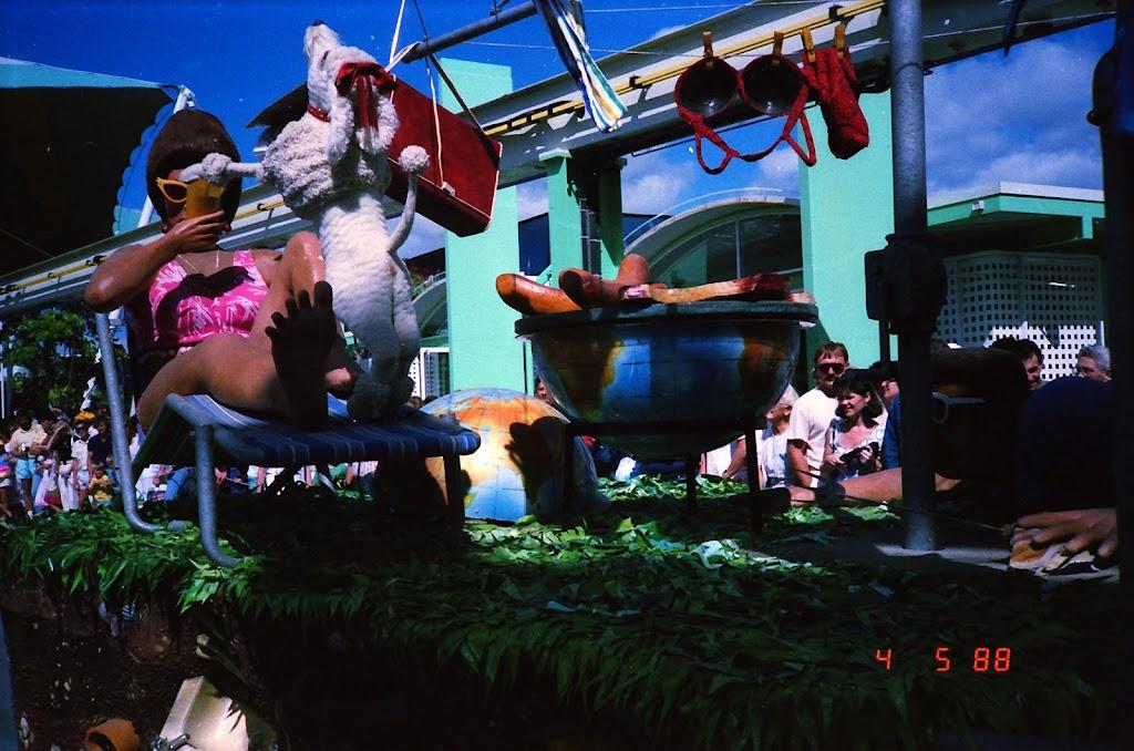 0162Expo Parade