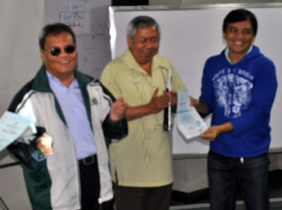 NCDA Deputy Executive Director Mateo Lee Jr. and DepEd's Lauro Purcil gives certificate of appreciation to Sir Jojo.