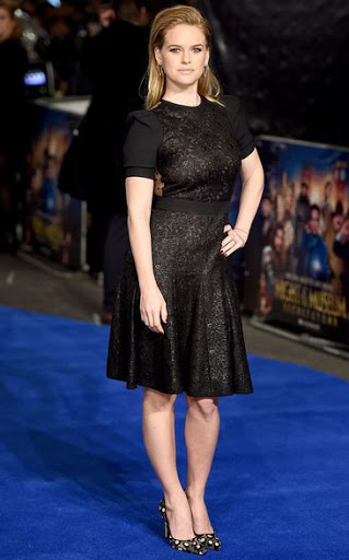 Alice Eve Weight
