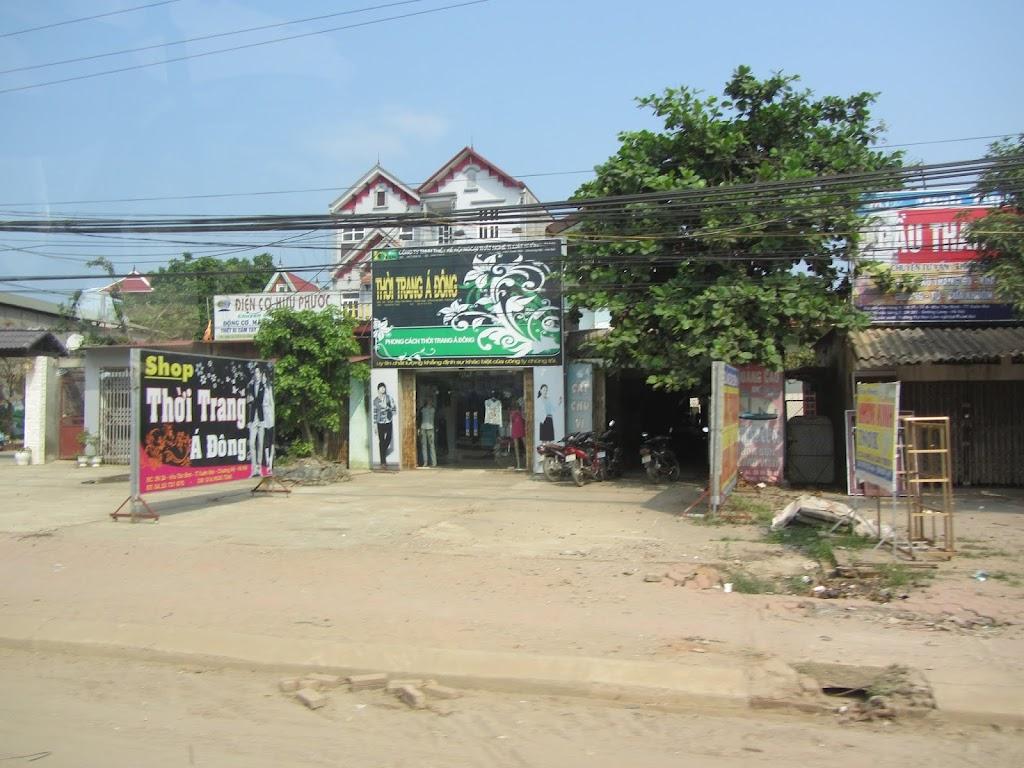 0004The_Road_to_Mai_Chau
