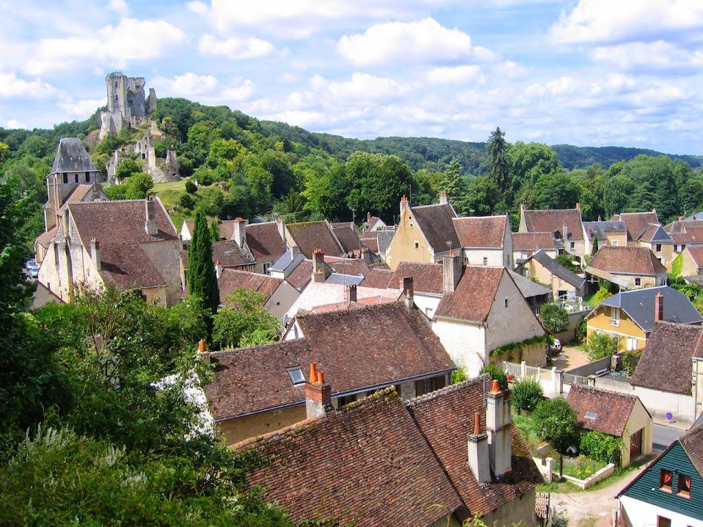 coeur-val-de-loire-tourisme-lavardin-plus-beau-village-de-france-village-et-chateau©OTCPVendome