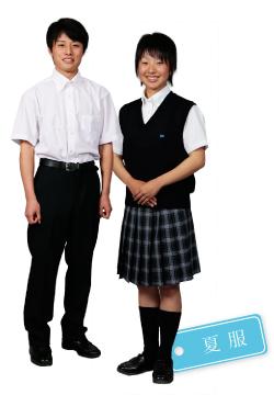 花咲徳栄高等学校の女子の制服3
