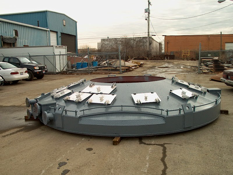 Systems Spray-Cooled roofs are fabricated from thin carbon steel plate to make maintenance and repairs easier.