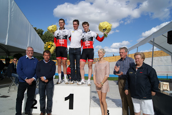 Podium heren 1e baanmeeting Rumbeke
