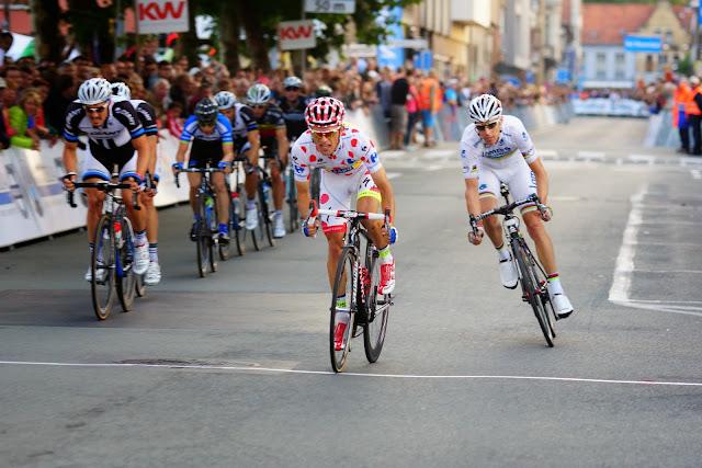 Majka en Rui Costa versnellen