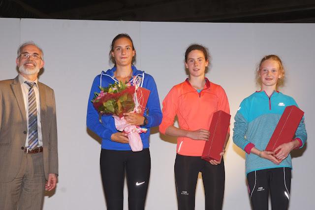 Laura Huyghe wint de 3,5 km bij de dames, Dwars over de Mandel 2015