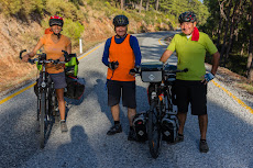 Two Turkish cyclists we met on the way.