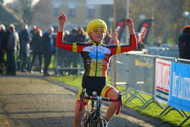 Femke Van Goethem wint aspirantencross mska Roeselare