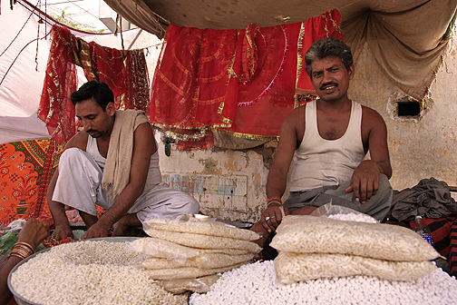 Makana dealers