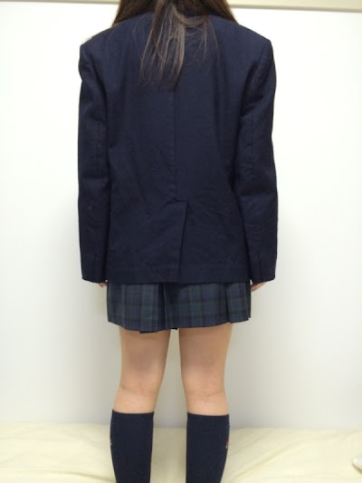 中越高等学校の女子の制服2