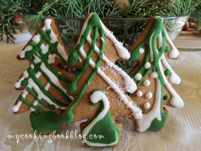 Джинджифилови (Gingerbread) бисквити - елхички