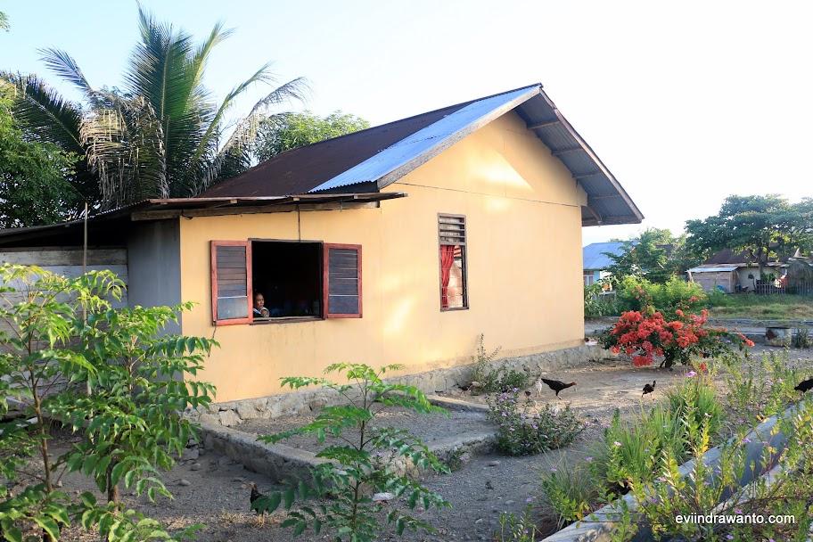 Salah satu rumah penduduk yang dibangunkan PT. Newmont Minahasa Raya