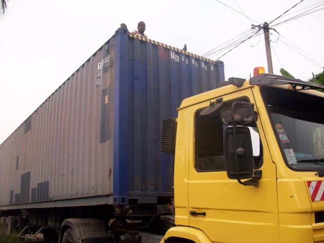 Container Arrival & Offloading in Buea - 100_9055.JPG