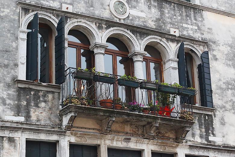 Façade d'un immeuble vénitien.
