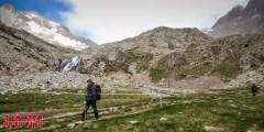 En el camino al Puerto de Marcadau, con los Picos de Infierno al fondo.