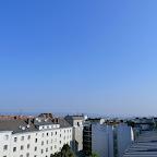Das aktuelle Wetter in Wien-Favoriten am 12.06.2015  Sehr heiß wird es heute in Favoriten werden mit bis zu 33 oder schon 34 Grad! Dazu scheint die Sonne ungetrübt von einem wolkenlosen Himmel, allerdings wird es im laufe des Tages immer mehr schwül. Eine Tropennacht hatten wir heute noch knapp verpasst mit 19,5°C. Bereits um 9:20 Uhr messen wir 25,5°C.  Weitere Wetterinformationen zum Freitag:http://weatherman68.info/2015/06/12/das-aktuelle-wetter-in-wien-favoriten-am-12-06-201/  #wetter  #wien  #favoriten  #wetterwerte  #hitzewelle