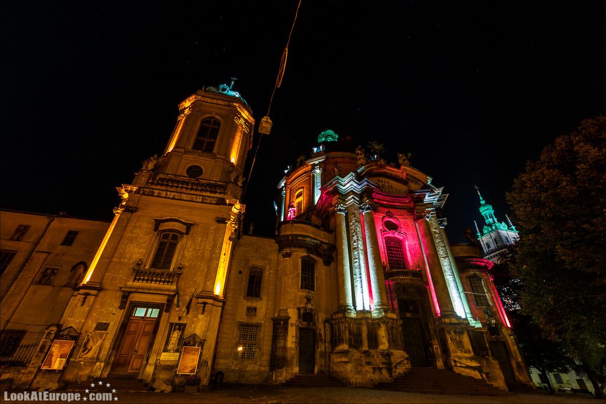 Ночной Львов | Night at Lviv, Ukraine | LookAtIsrael.com по Украине