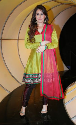 Mahima Chaudhry Weight