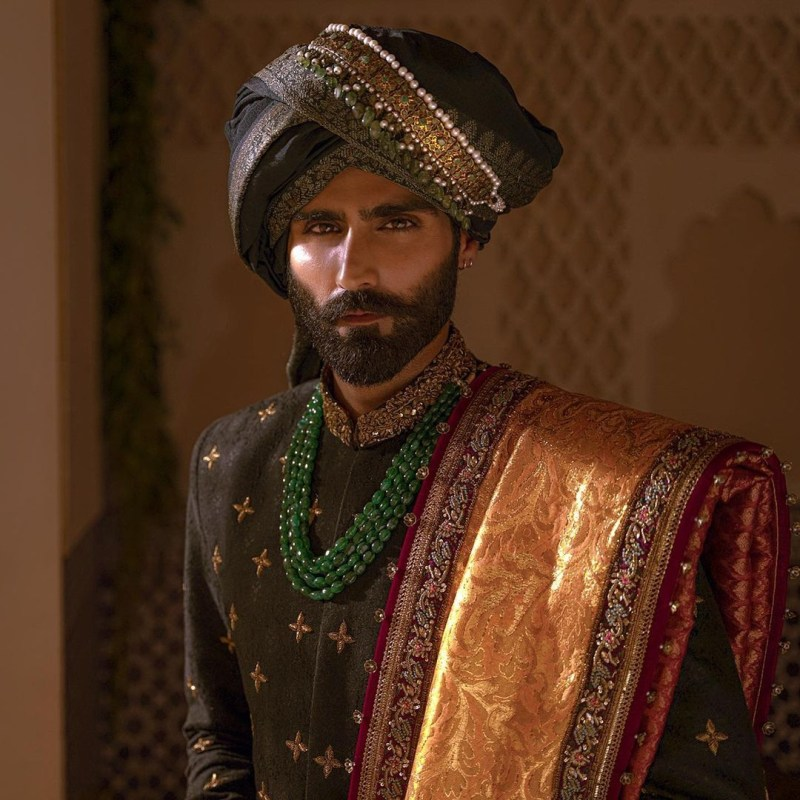 """Fahad Hussayn presents the bejeweled couture """"Signature Wedding"""""""