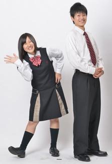 龍谷高等学校の女子の制服3