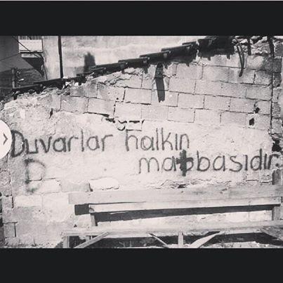 Duvarlar halkın matbaasıdır