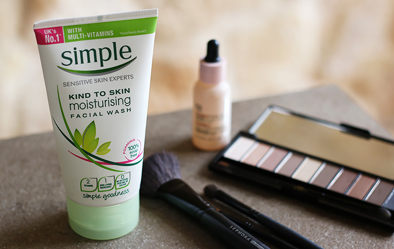 Among my current beauty favorites, this Simple moisturising facial wash.