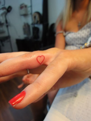 50 best finger tattoos ideas you must see tattoos me. Black Bedroom Furniture Sets. Home Design Ideas