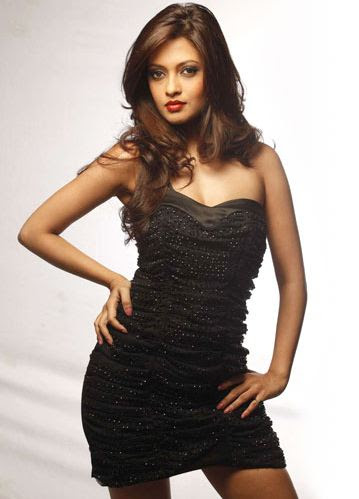 Riya Sen Measurement