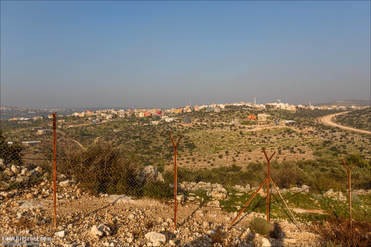 Серия рассказов о городах Израиля «Точки над i» - Шаарей Тиква | Points over Israel - Shaarei Tikva | שערי תיקווה | LookAtIsrael.com - Фото путешествия по Израилю
