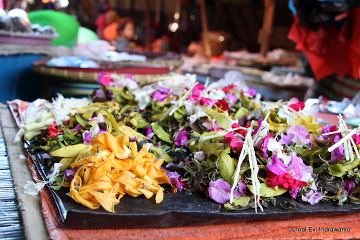Bunga rampai untuk upacara perkawinan maupun kematian