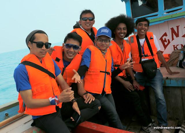 menyeberang ke anak krakatau
