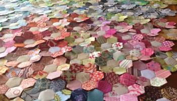 Scrappy flower hexagon quilt | Sewn Up : hexagon quilts patterns - Adamdwight.com