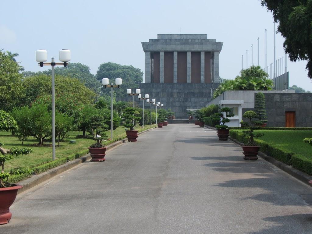 0425Ho_Chi_Minhs_Mausoleum
