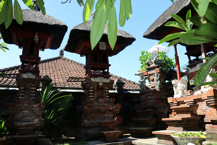 Sanggah di rumah Odah Mangku
