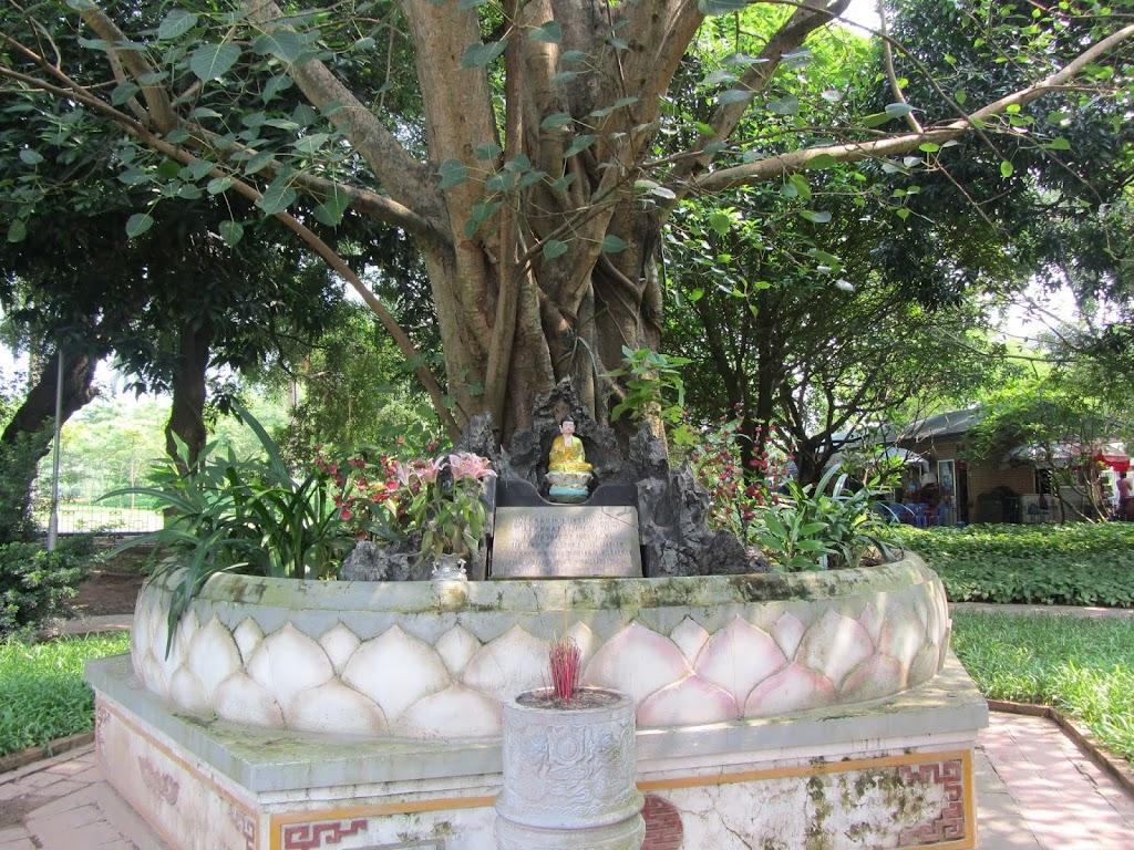 0485The_One_Pillar_Pagoda