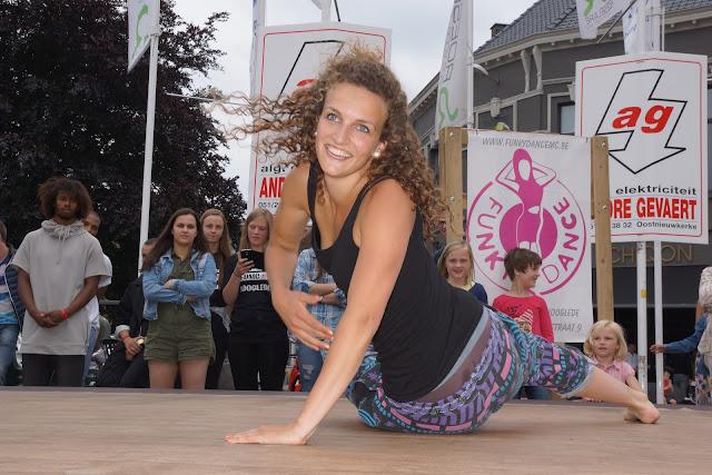 dansoptreden Morgane uit SYTYCD tijdens de batjes in Roeselare