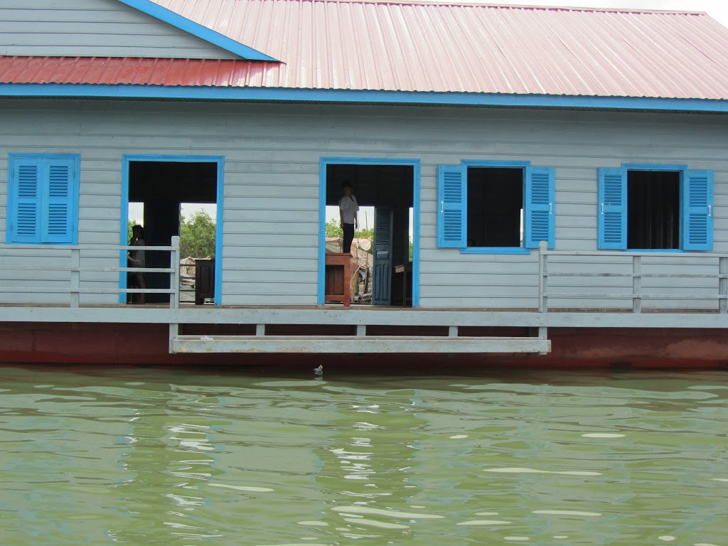 0030Tonle_Sap_Lake_Floating_Village