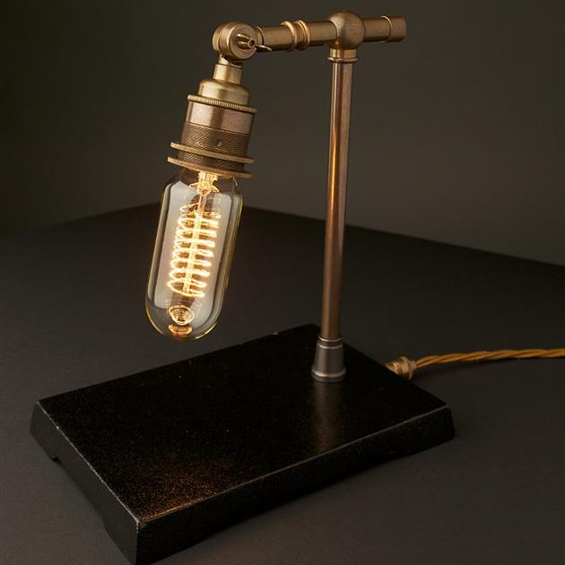 *復刻愛迪生銅鐵檯燈:Vintage Industrial 使用節能LED燈泡! 2